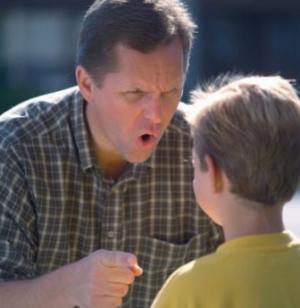 Если ребенок стеснительный, не нужно его критиковать