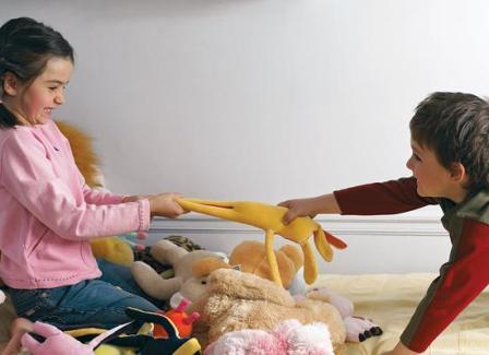 ребенок жадничает, ребенок жадина, почему ребенок жадничает, что делать если ребенок жадничает
